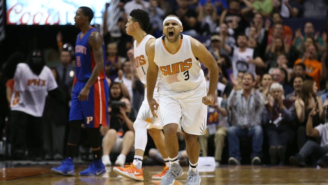 Phoenix Suns Jared Dudley reacts after making a basket against the Detroit Pistons in the second half on Nov. 9, 2016 in Phoenix, Ariz.