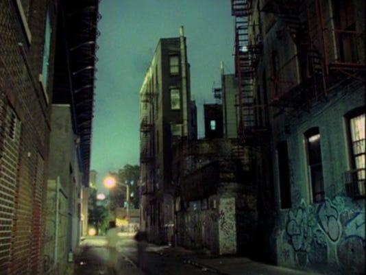 635936608278026688-Jem-Cohen-Night-Scene-New-Y.jpg