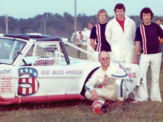 636104379869591627-9a-Red-BeDell-and-crew-1973-2-.jpeg