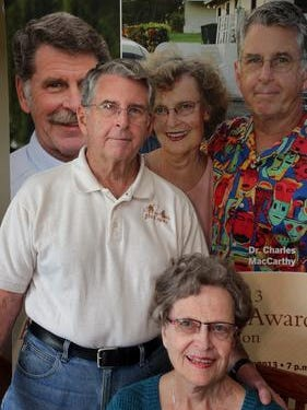 Dr. Chuck MacCarthy, shown her with his wife, Peggy, was honored by the Mayo Clinic Alumni Association. Peggy and he found the Good News Project, a Wausau-based nonprofit organization.