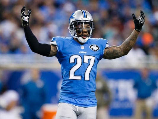 635516709786512719-AP-Dolphins-Lions-Football-