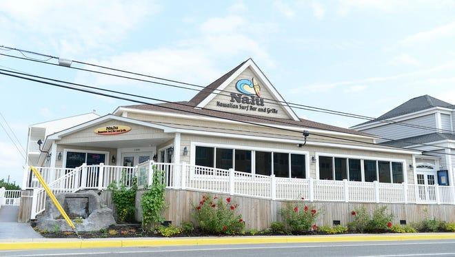 Nalu Hawaiian Surf Bar & Grill in Dewey Beach can seat large groups.