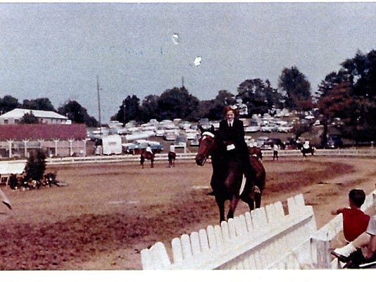 636039162340563103-Susan-Stearns-Wolf-event-class-Oldham-County-Fair-1960.jpg