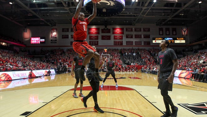 Cincinnati Bearcats forward Gary Clark (11) dunks in the second half during the college basketball game between the Southern Methodist Mustangs and the Cincinnati Bearcats ,Thursday, Jan. 12, 2017, at Fifth Third Arena in Cincinnati. The Cincinnati Bearcats won 66-64.