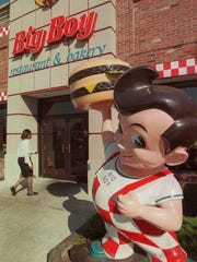 A Big Boy statue near the entrance to the now-closed Big Boy restaurant on East Jefferson in Detroit in 2000.