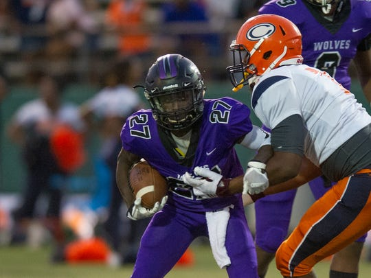 Larry Tyler shakes a tackle during the Cleveland Central vs Callaway Chargers game in Jackson on September 22,, 2017 in Jackson,MS at Newell Field.
