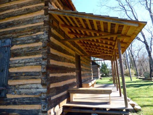 BMN 021116 B8 Old Fort