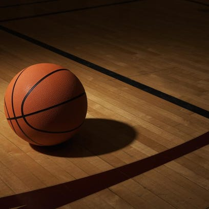Chieftains rout Cougars in 71-36 win