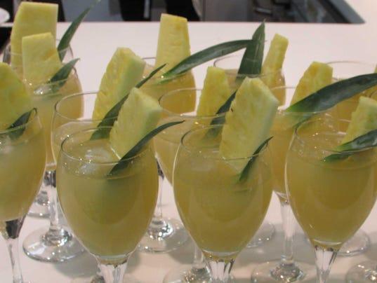 Green Tea Pineapple Cooler (Photo: Sweet Basil Cooking School)