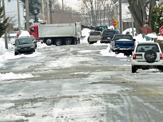CPO-MWD-012616-snowremoval-9.jpg
