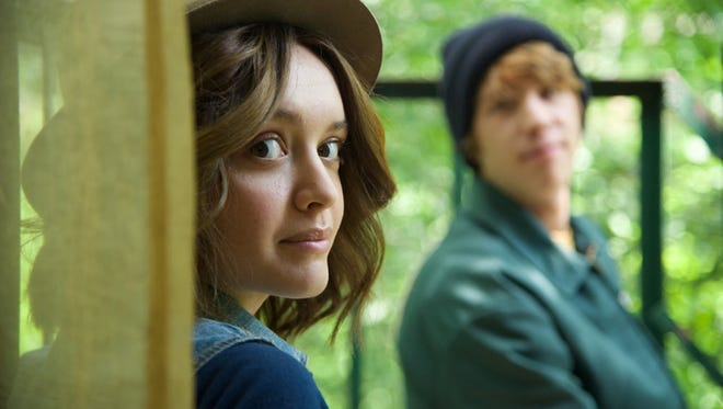 "Olivia Cooke as Rachel and Thomas Mann as Greg in ""Me and Earl and the Dying Girl."""