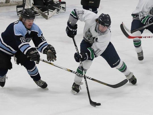 wolveshockey1024_01.jpg