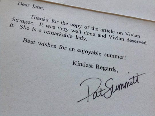Legendary former Tennessee coach Pat Summitt sent this note to former Register reporter Jane Burns in 1994.