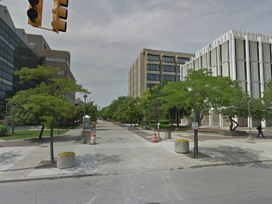 A construction crew struck an underground gas main Friday afternoon, prompting Wayne State University officials to order the evacuations of multiple buildings around Gullen Mall at Second and Warren.