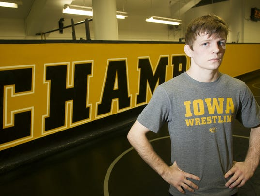 635512443002891692-IOW-1107-iowa-wrestling-media-day-09