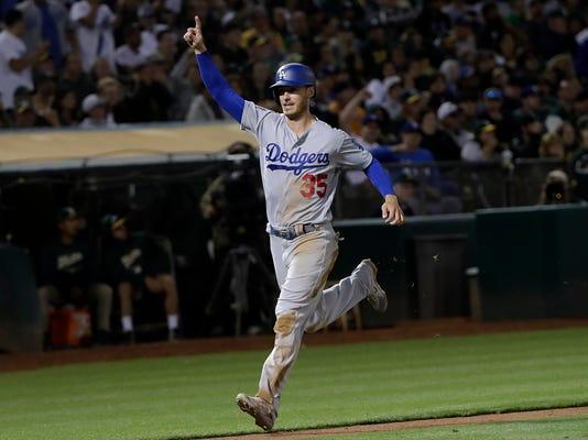 Dodgers_Athletics_Baseball_12826.jpg
