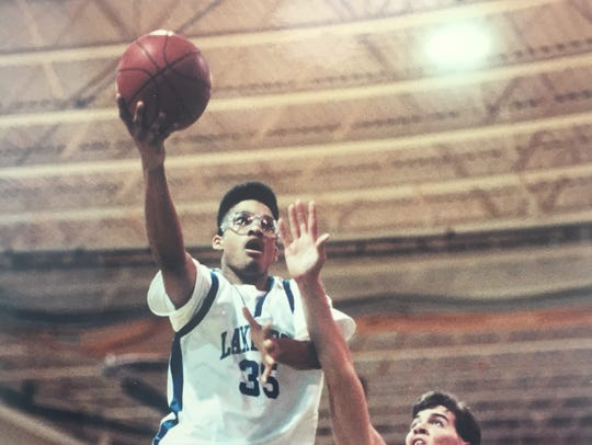 Lakewood's Rich Medina drives to the basket in a 1988