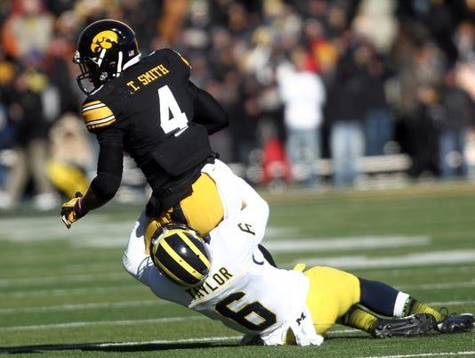 -IOW 1124 Iowa FB vs Michigan 33.jpg_20131123.jpg
