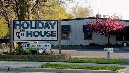 Holiday House, 2818 Meadow Lane, Manitowoc.
