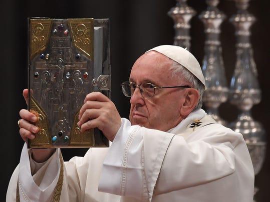 VATICAN-POPE-MASS-HOLY-THURSDAY