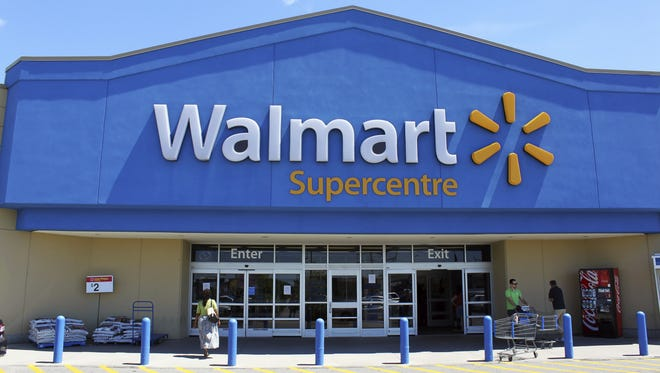 "Walmart tops the ""Fortune"" 500 list for the fourth consecutive year, the magazine's 2016 rankings show."
