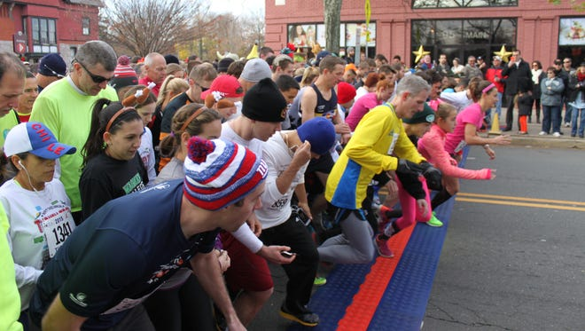 The annual Turkey Trot drew another large crowd in Flemington.