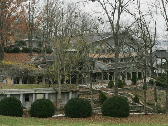 Johnny cash property eyed for residential health center for Johnny cash house hendersonville tn
