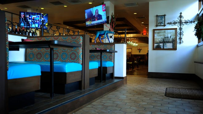 The dining room at Green Hills Grille, located in the former Alegria Mexican Restaurant in Greenbriar Village Shopping Center.