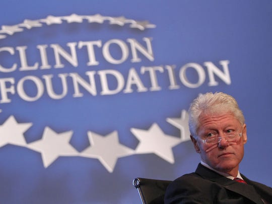 """President Bill Clinton moderates a panel discussion entitled """"Achieving Lifelong Health and Well Being"""" during the Health Matters conference in Indian Wells January 17, 2012."""