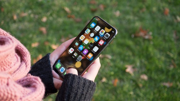 classic fit 99e88 6c968 The best Black Friday iPhone deals of 2018