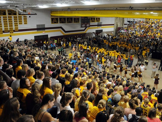 Salisbury University students fill Maggs Gym during