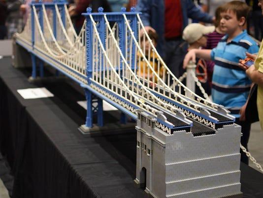 636186137393119156-LEGO-bridge.jpg