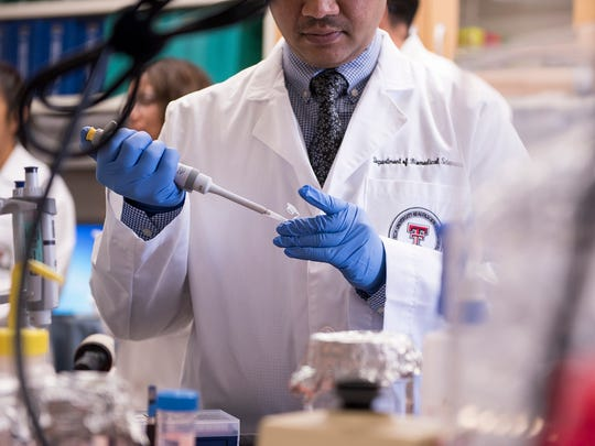 Officials announce on April 19 a $2 million grant from the Cancer Prevention and Research Institute of Texas (CPRIT) will allow Texas Tech University Health Sciences Center El Paso (TTUHSC El Paso) to create a new lab focusing on breast cancer.