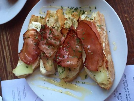 Melon and prosciutto crostini from The Continental.
