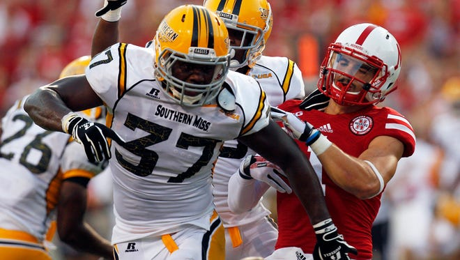 The return of Alan Howze (37) to the middle of the Southern Miss defense provides a big boost to the Golden Eagles.