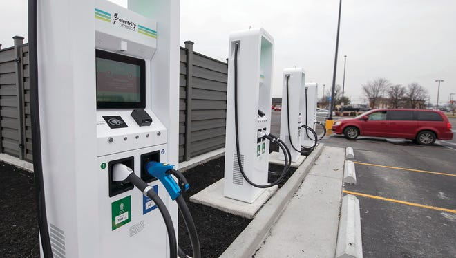 Ford Offers Access To 35 000 Electric Car Charging Stations,Best Artificial Christmas Tree 2020 Uk