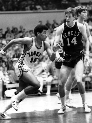 A rivalry begun in high school continued on March 4, 1970, when the freshmen teams from Memphis State and Ole Miss played at the Mid-South Coliseum. Larry Finch (#15) led the Tigers with 32 points and Johnny Neumann (#14) led the Rebels with 44. Neumann's Rebels came out on the long end of the score, winning 103 to 95. Finch played at Melrose while Neumann played at Overton.