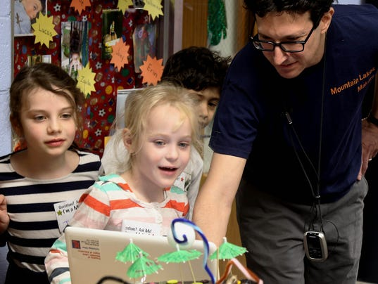 Makers Club partnered with Wildwood Elementary to create the first annual Wildwood Elementary Makers Fair.