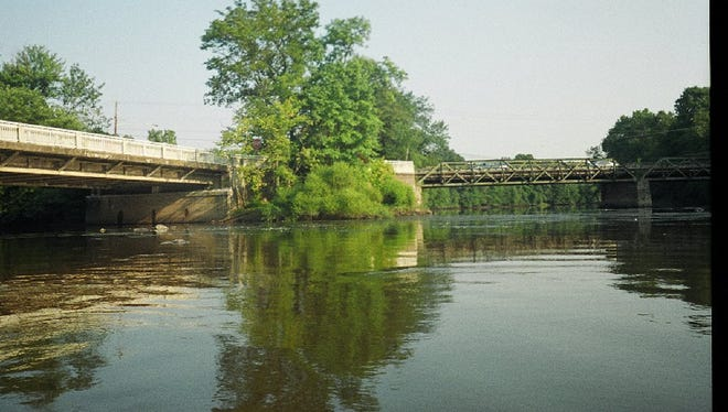 The Passaic River at Two Bridges -- near the Wayne and Lincoln Park border -- showed a decrease in nitrogen concentrations but an increase in nitrates. Phosphorus remained level.