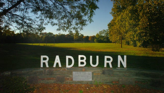 A sign at the entrance to the Radburn section of Fair Lawn.