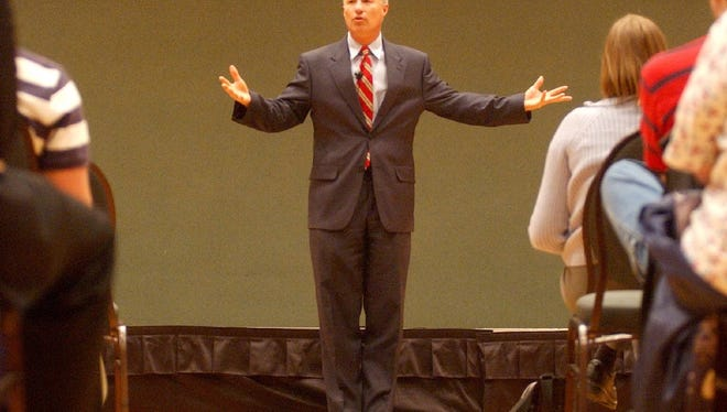 Mike Coffman at CSU   -Mike Coffman, Colorado State Treasuer, talks at an economics syposium at the Lory Student Center on the CSU campus Tuesday Nov. 16, 2004.