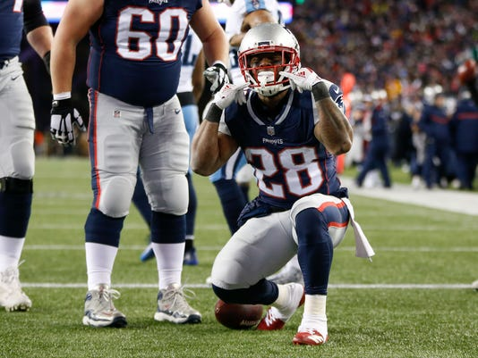 USP NFL  AFC DIVISIONAL PLAYOFF-TENNESSEE TITANS A S FBN NEP TEN USA MA.  New England Patriots running back James White ... ddf7ce9ca
