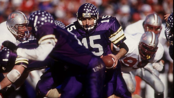 University of North Alabama quarterback Cody Gross in action during the NCAA Division II Championship game against Indiana (Pa.) on Dec. 11, 1993 in Florence, Alabama.