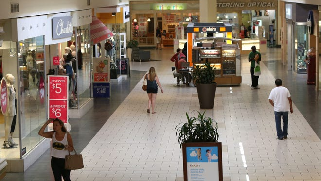 Shoppers at the Jefferson Valley Mall in Yorktown Heights, Aug. 13, 2015.