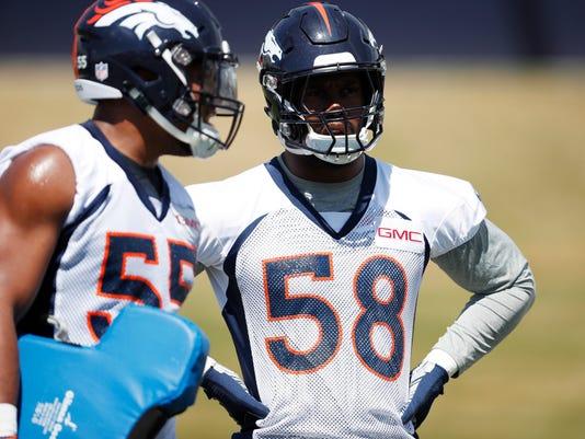 Broncos_Football_71433.jpg