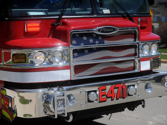 636281887903837043-FON-042815-fire-truck.jpg