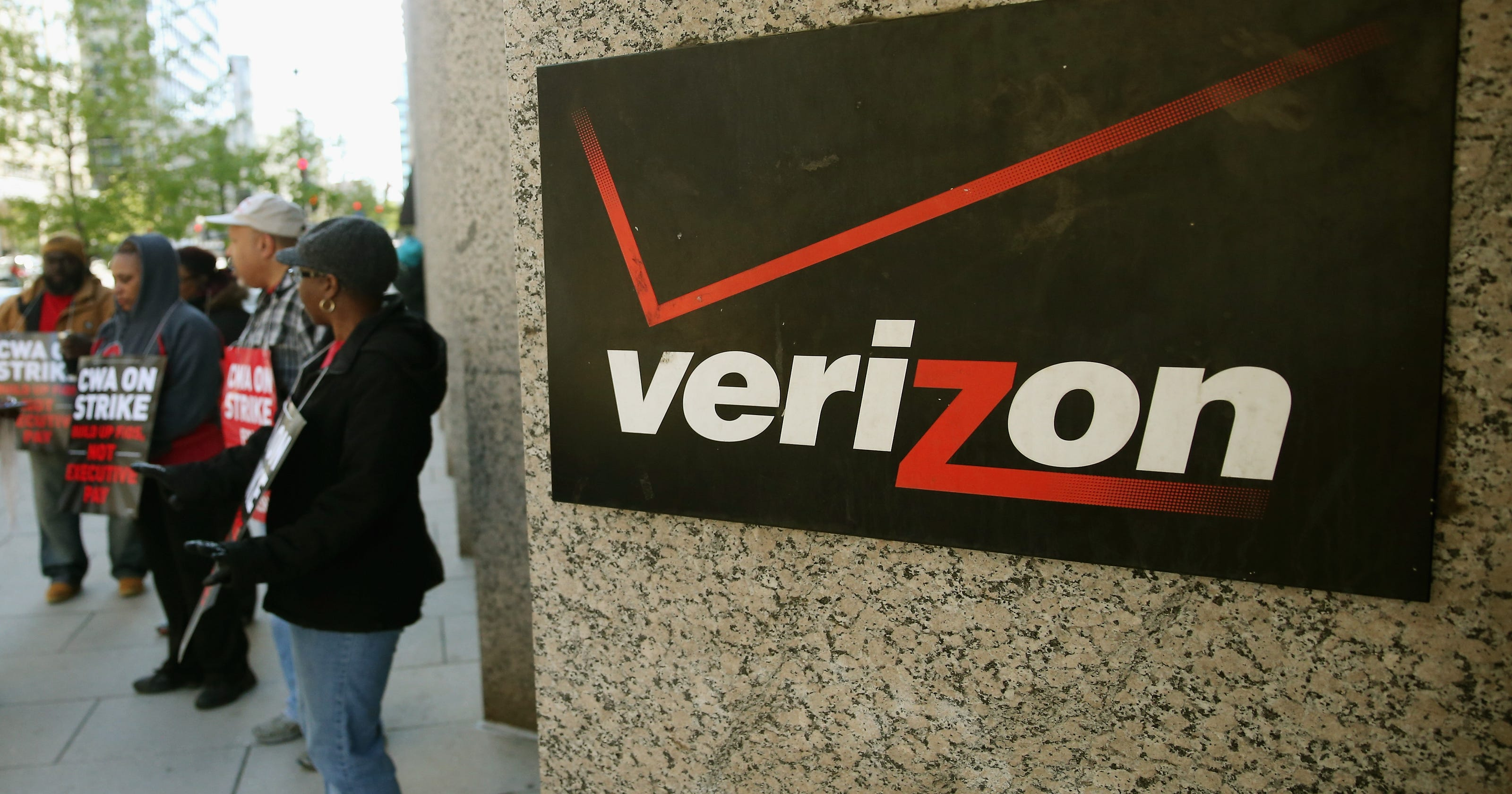 keeping old router on verizon fios will cost you