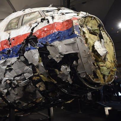 El avión MH17 de Malaysia Airlines recibió el impacto