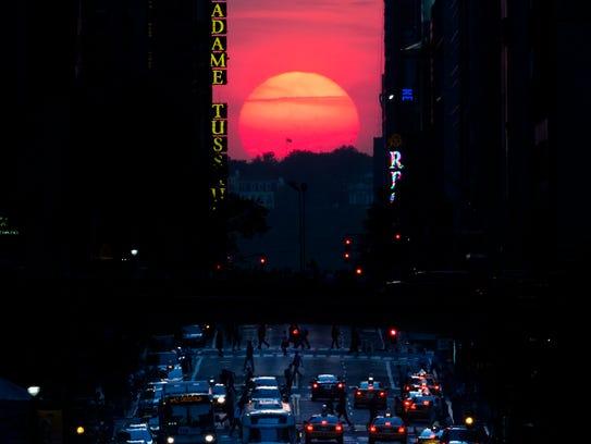AP_Manhattanhenge