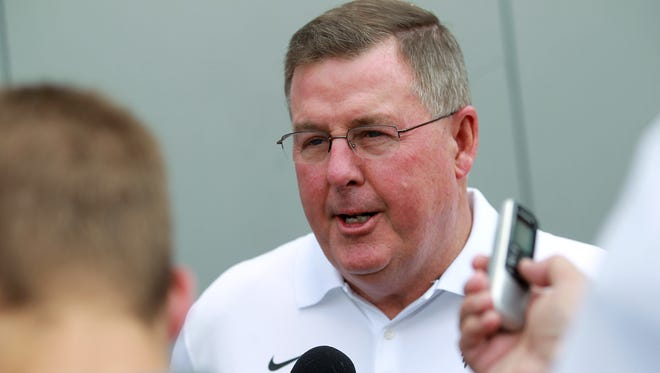 Iowa offensive coordinator Greg Davis is directing one of the lowest-ranked yard-producing outfits in the Big Ten.